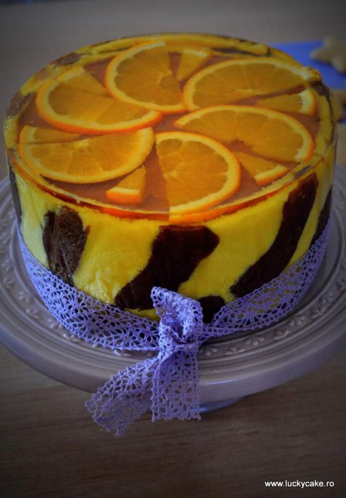 Tort cu mousse de portocale si ciocolata