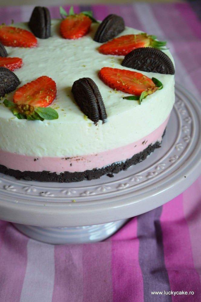 cheesecake cu capsuni vanilie
