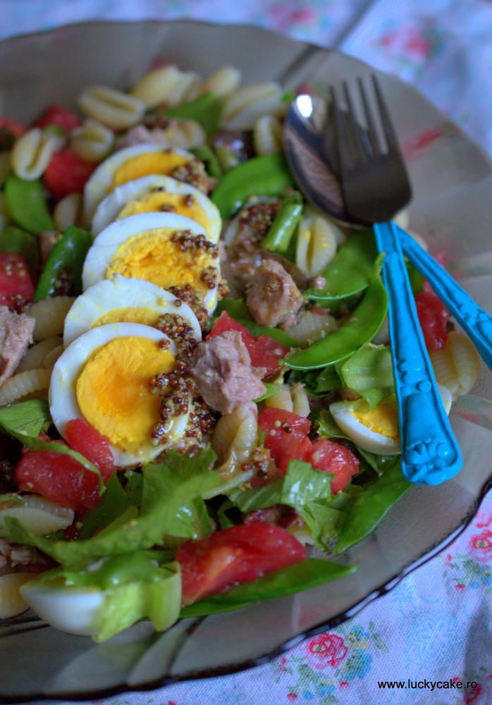 Salata Nicoise cu ton si paste