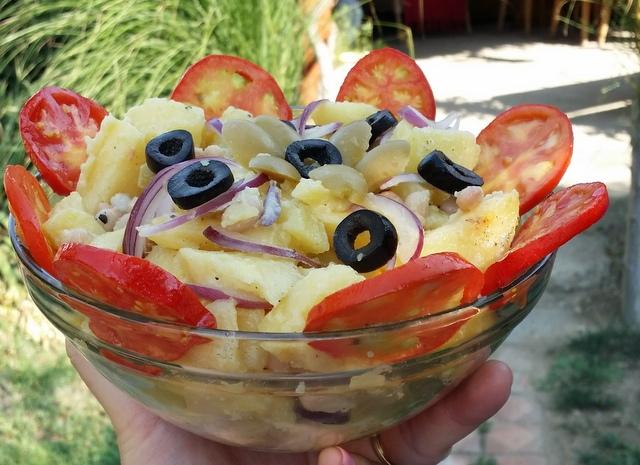 Salata hranitoare de la Lily