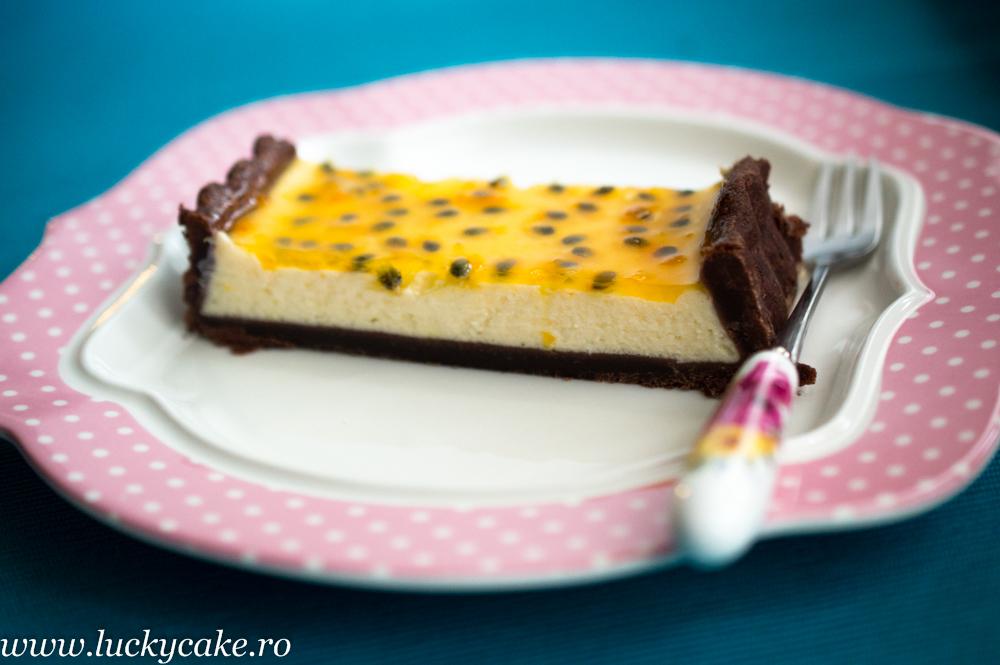 Tarta de ciocolata, branza si fructul pasiunii