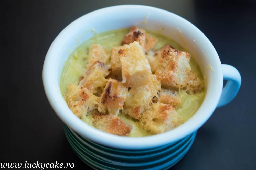 Supa crema de broccoli si branza Ceddar