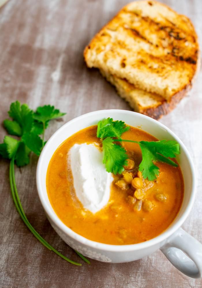 Supa de linte cu lapte de cocos